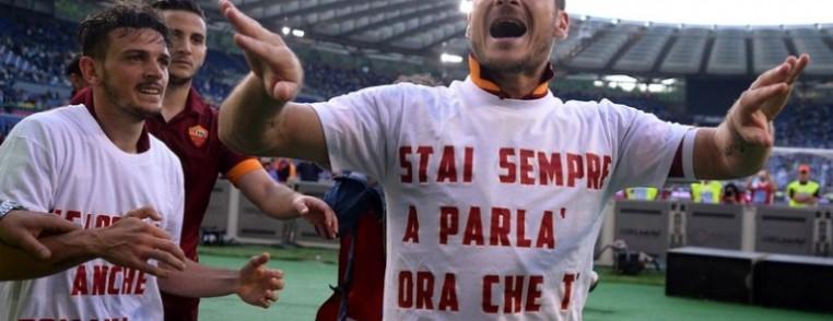 lazio-roma-maglietta-totti-770x512