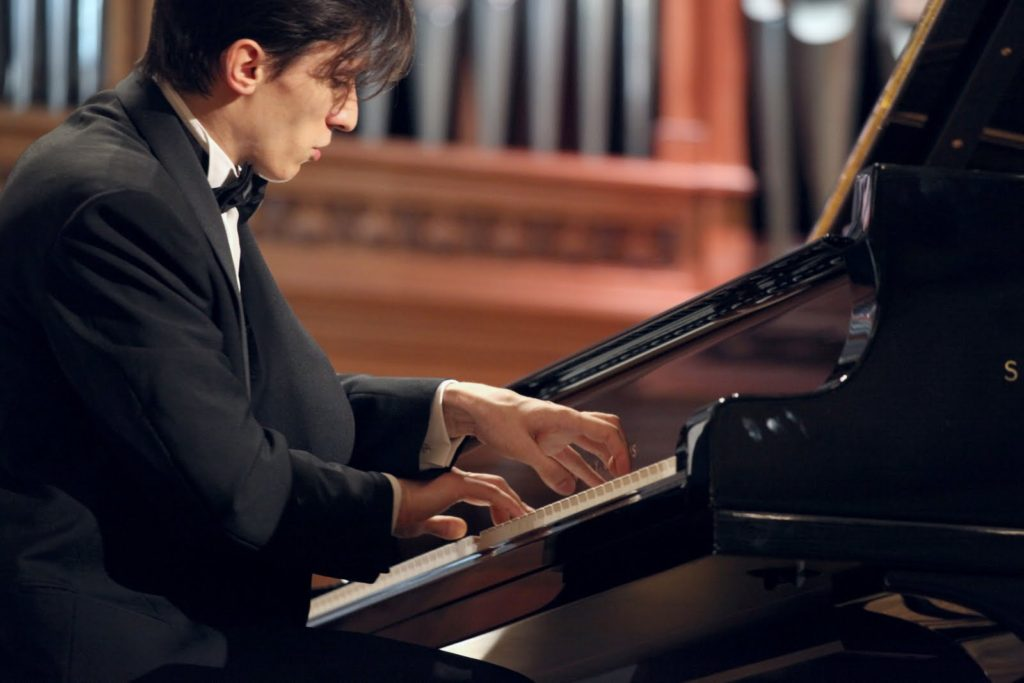 Alexander Romanovsky in concerto