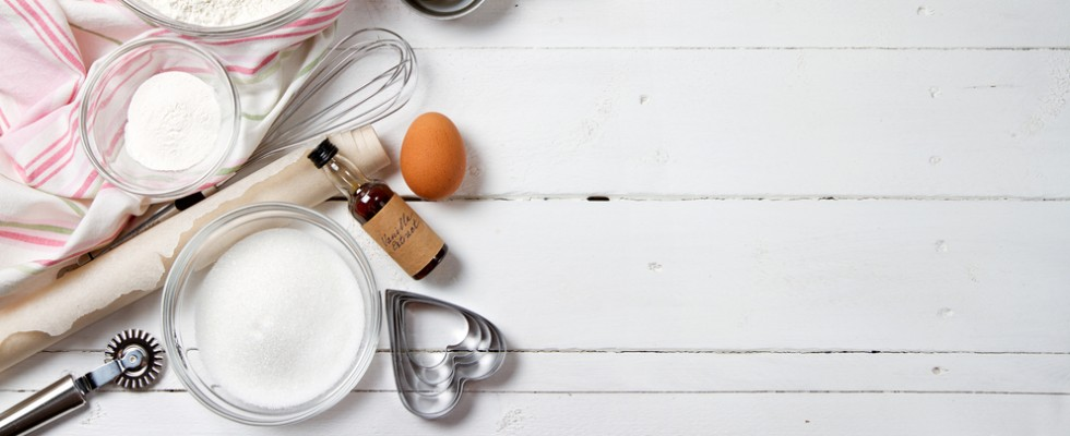 Ingredienti e Strumenti per la preparazione di dolci